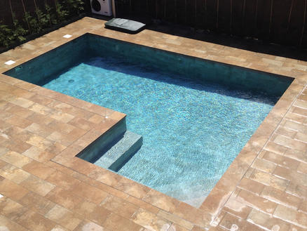 Corona de piscina: elige la tuya para este verano