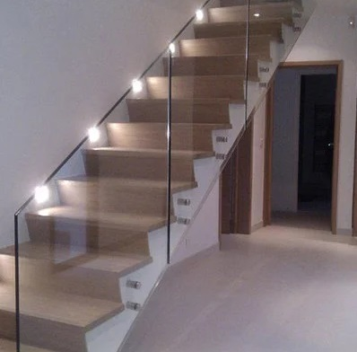 escaleras de gres porcelánico 2