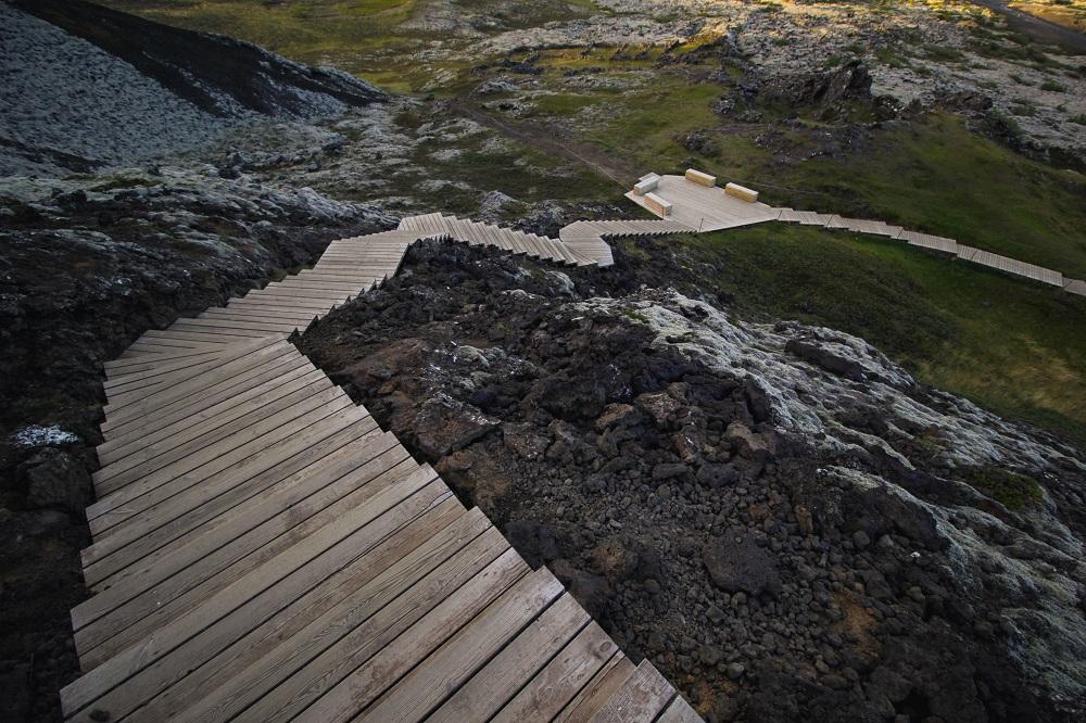 Escaleras de madera: protégelas con 4 productos