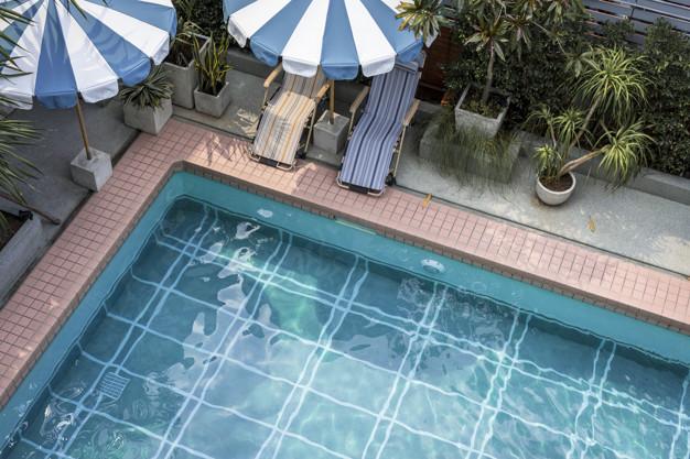 Invierte en piscinas de obra.