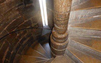 Historia de las escaleras valencianas (III): la torre del Miguelete